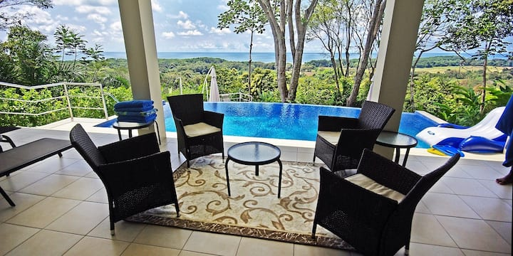 Luxury Home Rental with Private Pool, Awesome View