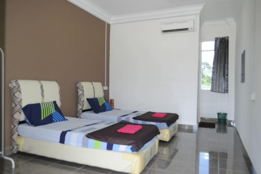 Room 2 2 Single bed RM100