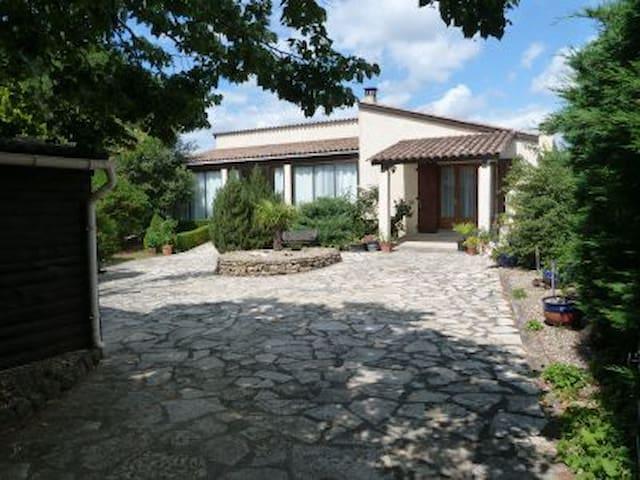 "Villa ""Le Petit Nice"" Saint Martin - Saint-Martin-de-Villereglan - 別荘"