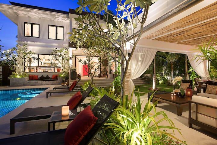 Luxury 2 Bedroom Pool Villa  Samui Beach