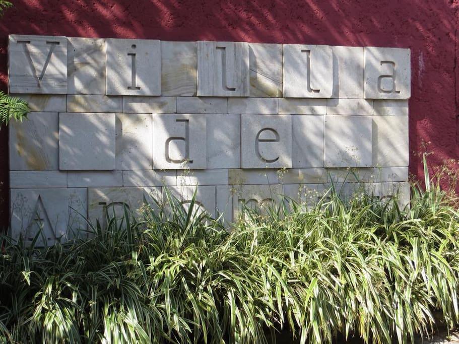 villa de anoman - entrada