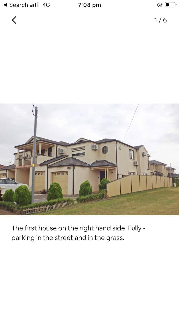 House in Canleyheights 4 minutes walk to shop,cafe