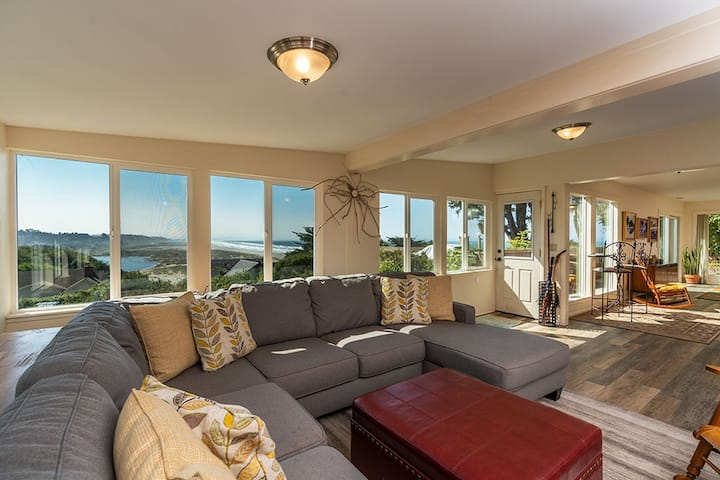 Beach Lover's Getaway - Moonstone Beach Retreat