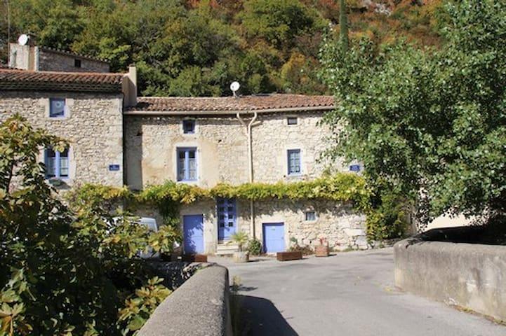 Maison de caractere  village en Drome provençale