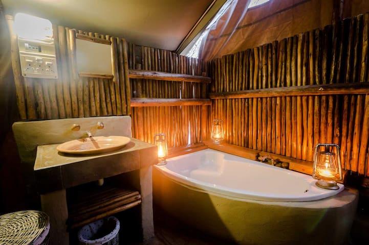 Bundox Safari Lodge - Tent with Bath 5