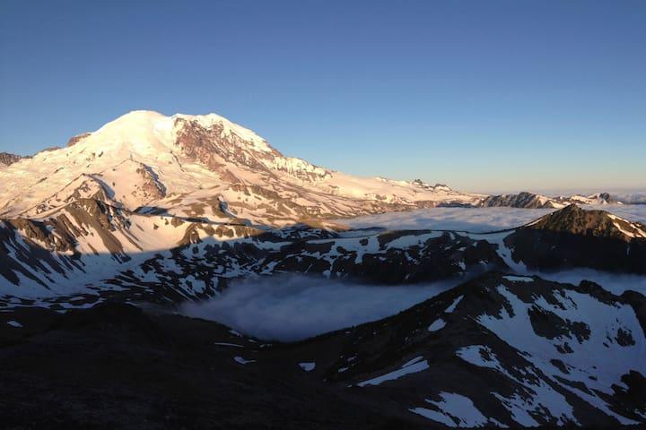 Mt. Rainier Rental - The Alpine Guest House