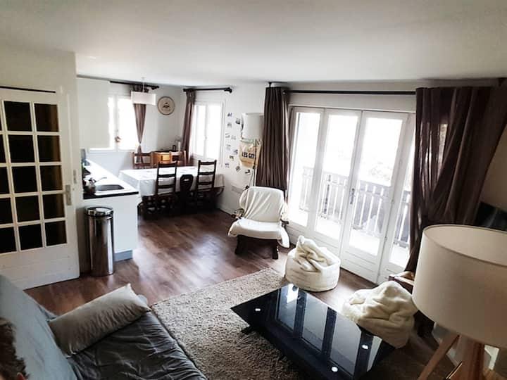 MAGE1 : Entre Les Perrières et le centre du village : Appartement rénové à proximité des pistes