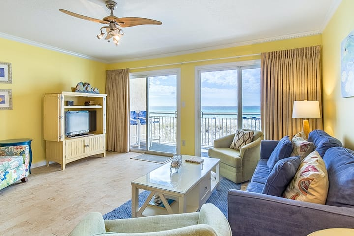 2nd Floor Gulf Front Condo w/ Gulf Views, Close To Entertainment