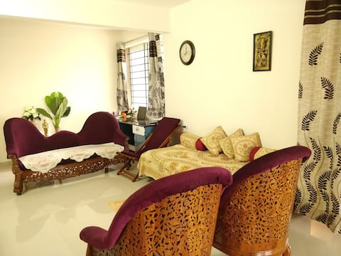 Long Term Rental , fully furnished home; top floor