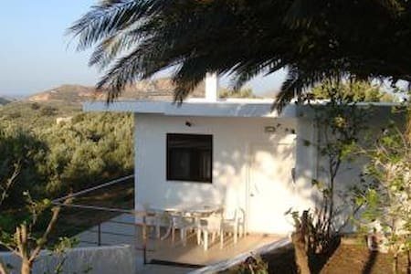 Cottage in Lefkogia - Lefkogeia