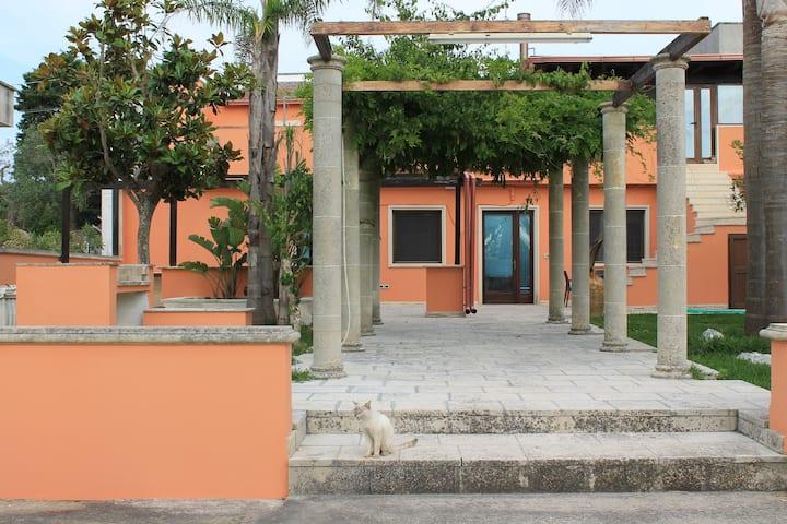 Two-roomed near Alimini lake
