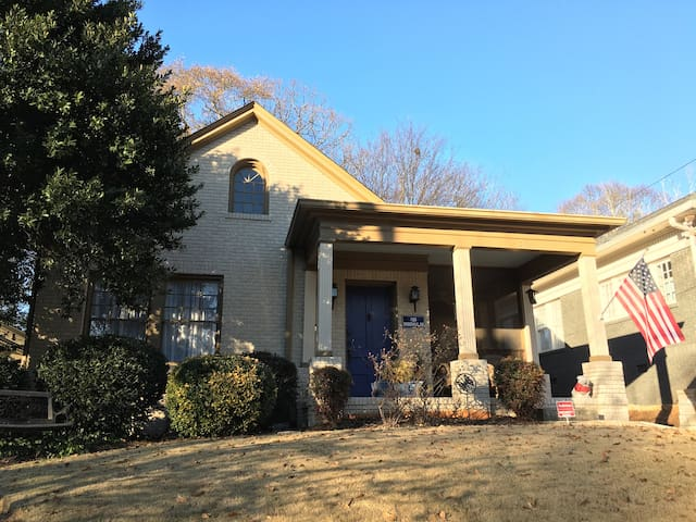 Charming Newly Updated Apartment In Virginia Highland