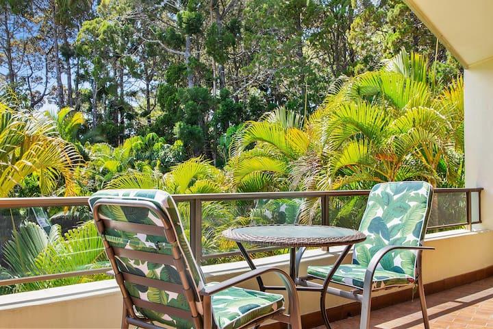 Noosa Hill - quiet, pool, WiFi, Netflix & parking
