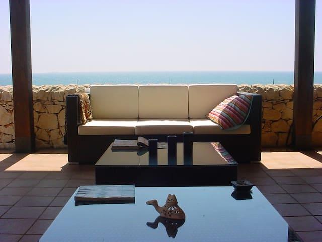 Appartamento con veranda e spettacolare vista mare - Marina di Modica - Lägenhet