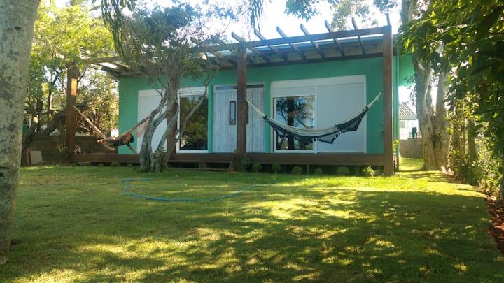 Casa/estúdio na lagoa da Ibiraquera.