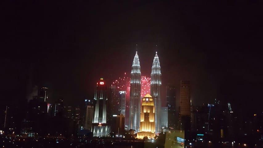 Cozy 2 Bedrooms KLCC view - Kuala Lumpur