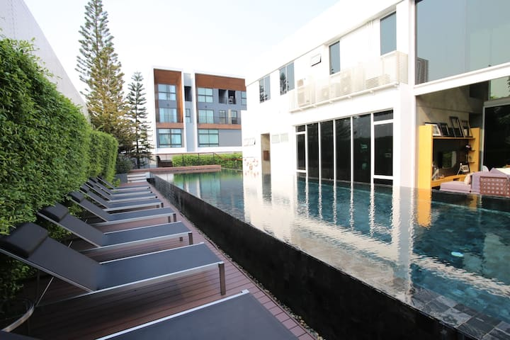 Luxury Townhome..Arden, 3bed, 3bath, Pool,Gym,WiFi