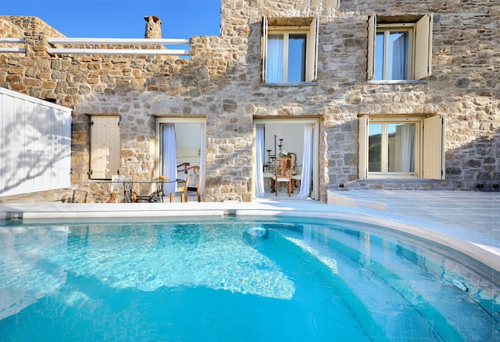 Villa Spartacus - sea view with PRIVATE POOL