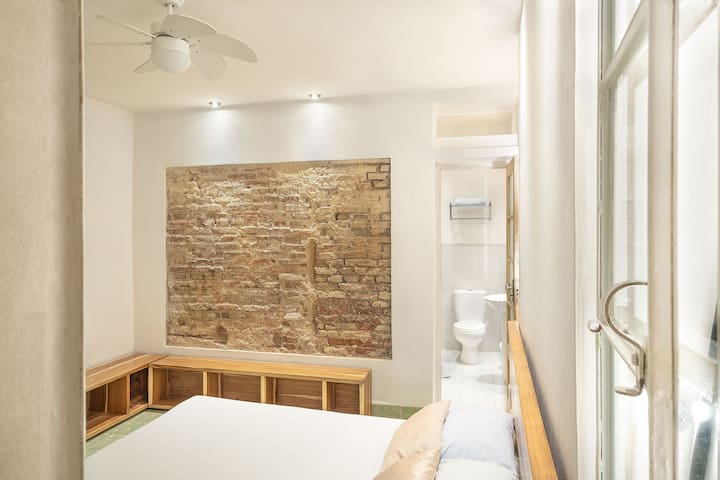 ✰ Modern & Homely - DT Hostal📍- WIFI & Parking ✰