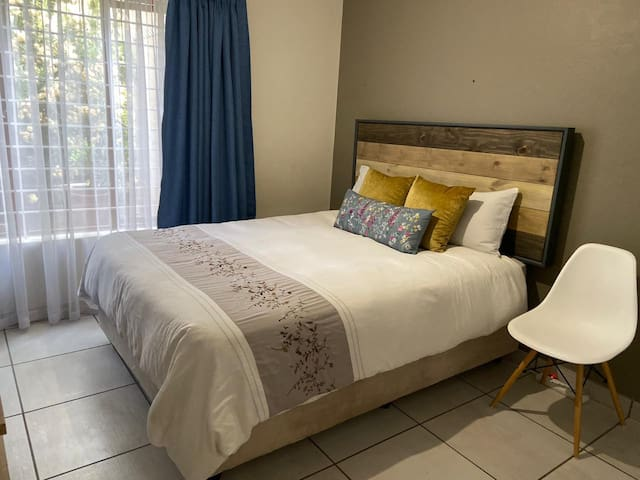 Private Room in Beautiful Sandton Family Home