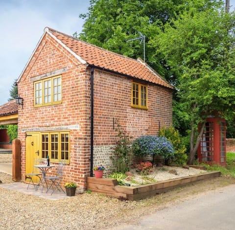 Poppy Gig House