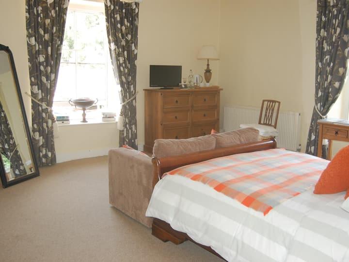 Grange Farm House - Courtyard Room