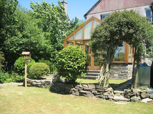 Spacious House With Garden & Stream