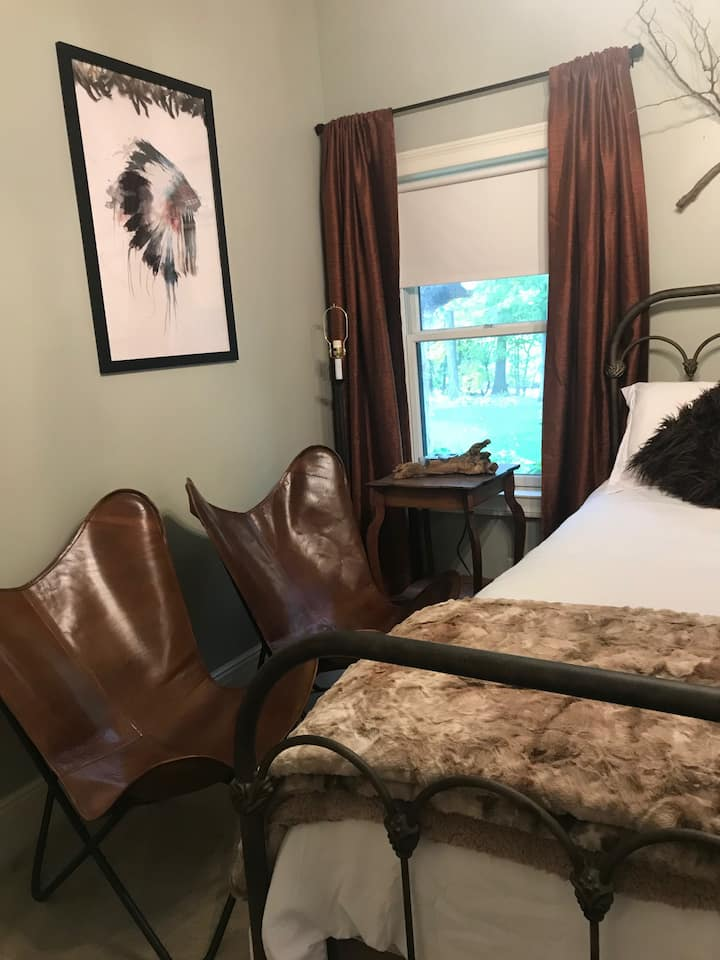 The Native Sanctuary - Iron Amethyst Inn