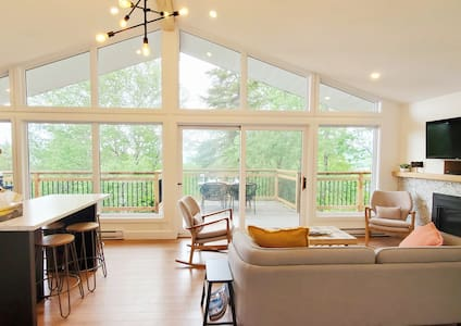 Condo Heart of Tremblant! Long stays 10%-35% off!