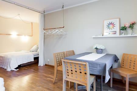 Charmante Wohnung im ruhigen, grünen Kleinmachnow - Kleinmachnow - Huis