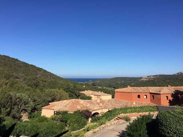 In Costa Smeralda on the Golf close to the beach - Cala di Volpe