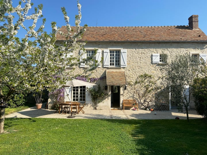Country Side house 45min from Paris