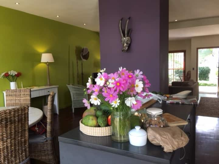 Lovely House in Trendy Parkhurst in great location