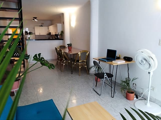 BEST location & FRESH private room