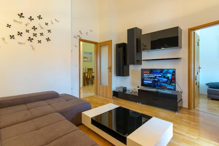 Modern, stylish apartment  in Umag. FREE PARKING