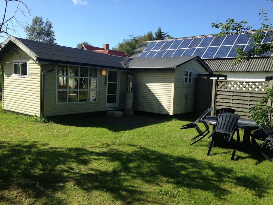 Hytten udefra/ Cottage from outside