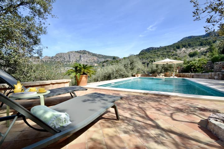 Idyllic Villa with Pool, Garden, Terraces & Wi-Fi; Parking Available