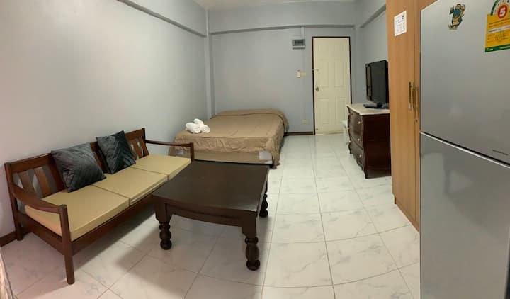 Clean room, reasonable price
