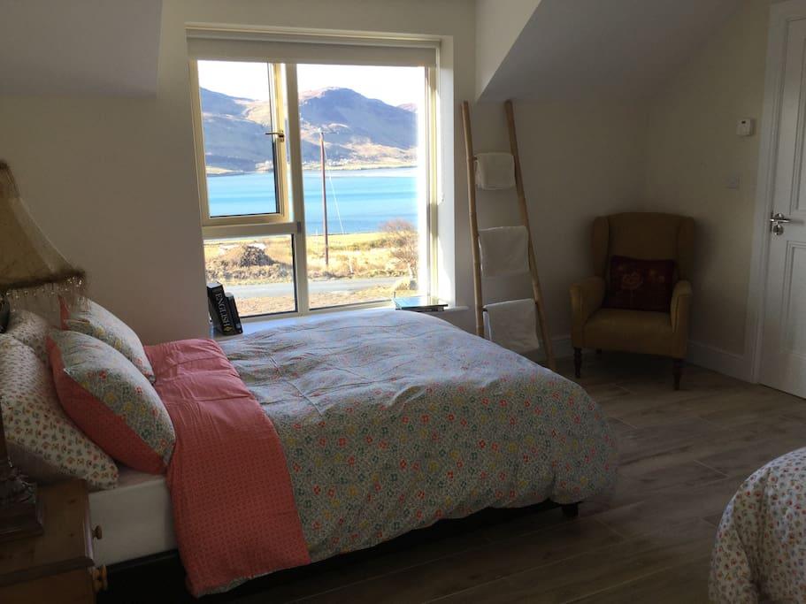 bedroom 1 (sleeps 3)