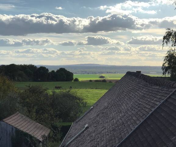Apartment at the Top! Close to Senlis!!
