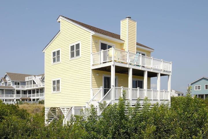 Wilder by the Sea -- Oceanside Home just 450 feet to the beach!
