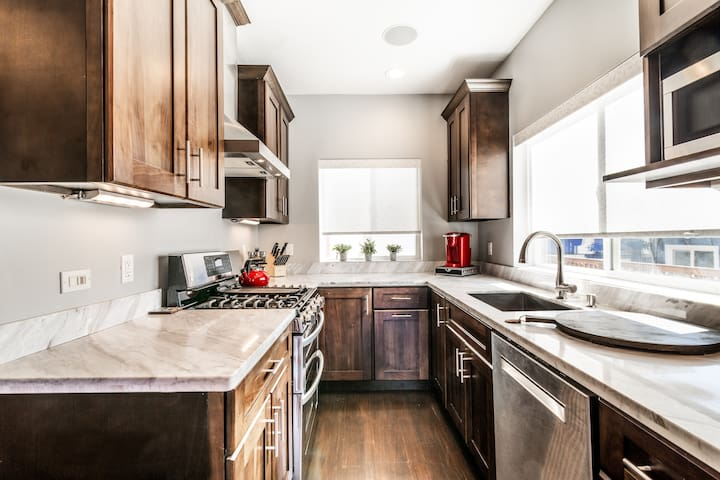 Brand New Luxury 1 bdrm House 15Mins to Dowtown SF