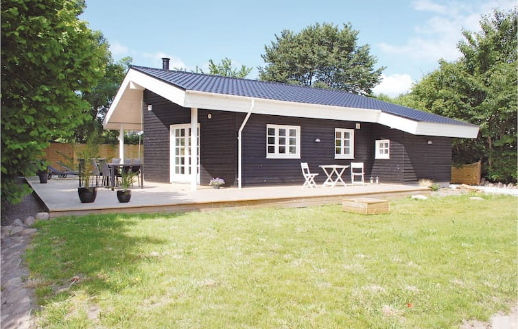 Holiday cottage with 3 bedrooms on 92 m² in Hornslet