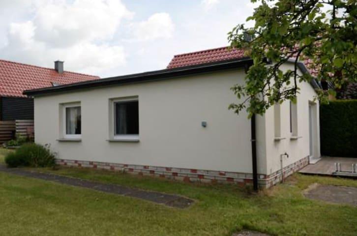 """Haus Wünsche, Bungalow """"Fabian"""" - Wieck a. Darß - House"""