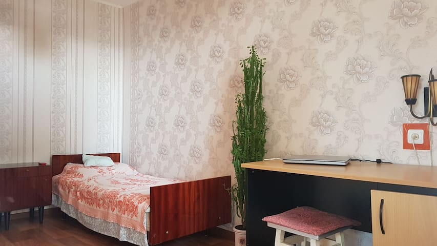 Room in apartments near Dnipro river