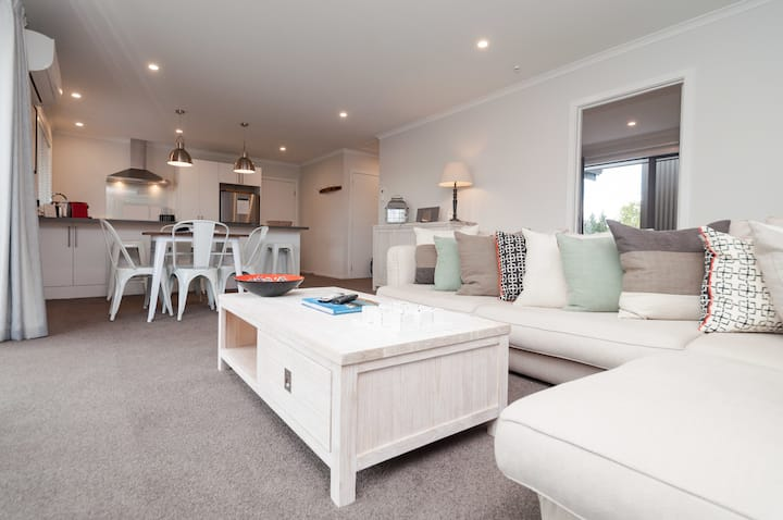 Luxury Twizel Apartment - A