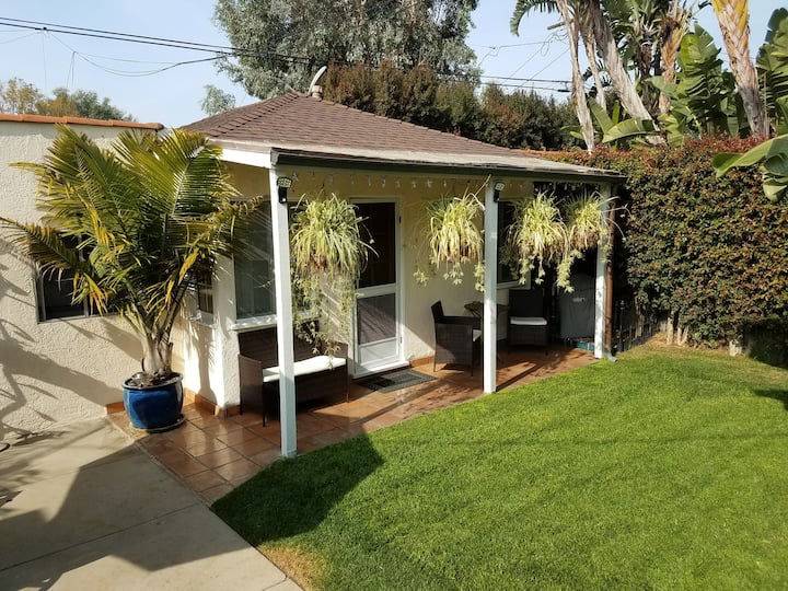 1 Bed Guesthouse on edge of Marina Del Rey