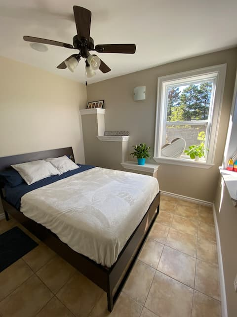 Spacious Guest Suite Near Surfing Beaches