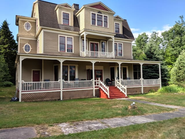 Historic Loon Lake Irish House