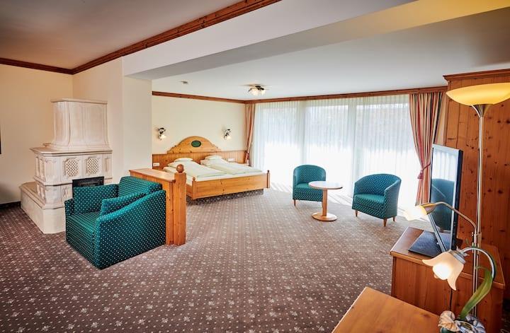 Hotel am See (Neutraubling), Junior Suite (70qm) mit geräumigem Wohn- und Schlafraum